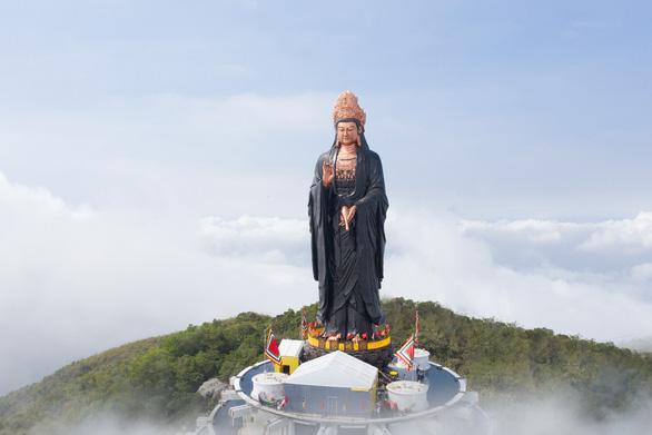 Những điều thú vị về tượng Phật Bà bằng đồng cao nhất châu Á trên đỉnh núi Bà Đen - Ảnh 5.