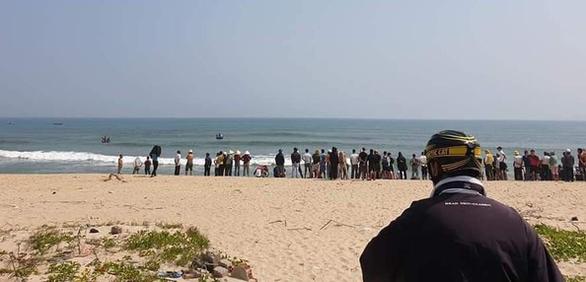 Một học sinh mất tích khi tắm biển cùng bạn - Ảnh 1.