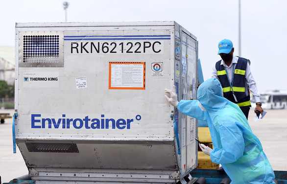 Việt Nam có 117.600 liều vắcxin đầu tiên: Ưu tiên trước cho lực lượng tuyến đầu - Ảnh 1.