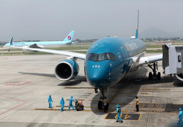 Lên kế hoạch 13 chuyến bay đưa công dân về nước trong tháng 3-2021 - Ảnh 1.