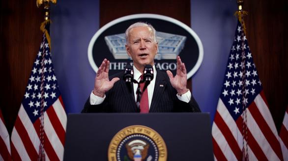 Ông Biden bất ngờ ra lệnh không kích Syria - Ảnh 1.