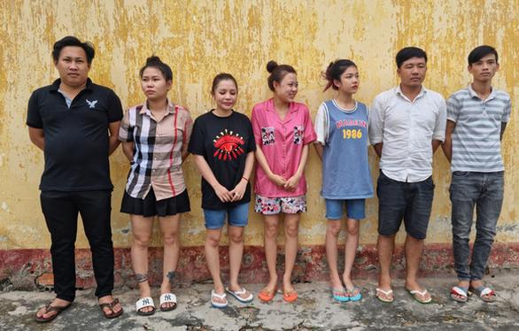 Phát hiện thêm 7 người liên quan vụ tụ tập vượt biên ở Long An - Ảnh 1.
