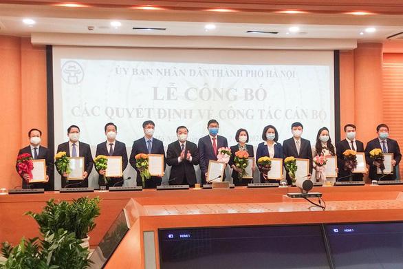 Hà Nội bổ nhiệm 4 giám đốc sở và chánh Văn phòng UBND TP - Ảnh 1.
