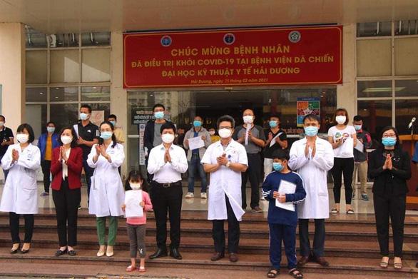Bệnh nhân COVID-19 siêu lây nhiễm ở ổ dịch Cẩm Giàng xuất viện - Ảnh 1.