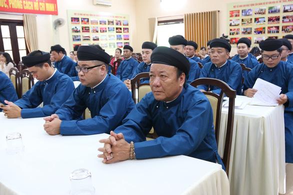 Thành ủy Huế vận động người dân, cán bộ mang áo dài suốt tháng 3 - Ảnh 1.