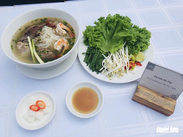 Thắng cố Bắc Hà, cơm trái dừa, bánh giá Gò Công… vào top 100 món ăn đặc sản Việt Nam - Ảnh 2.