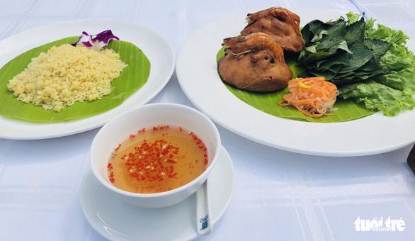 Thắng cố Bắc Hà, cơm trái dừa, bánh giá Gò Công… vào top 100 món ăn đặc sản Việt Nam - Ảnh 3.