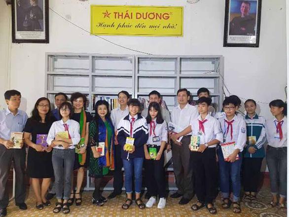 Phó Tổng GĐ Sao Thái Dương phát động chương trình xây dựng Tủ sách lớp học - Ảnh 1.