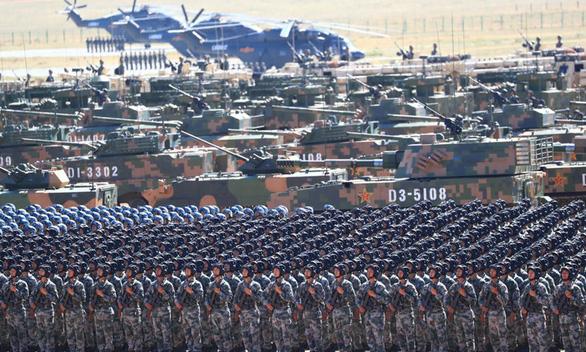 Toàn cầu lao đao, Trung Quốc lại tăng ngân sách quốc phòng - Ảnh 1.