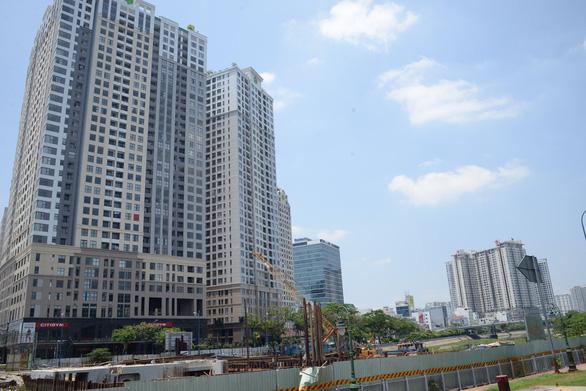 Đề xuất quyết thủ tục đầu tư dự án nhà ở thương mại tại TP.HCM trong 11 tháng - Ảnh 1.