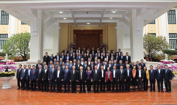 Gặp mặt các nguyên ủy viên Bộ Chính trị, Ban Bí thư và nguyên ủy viên trung ương không tái cử - Ảnh 3.