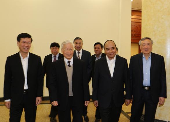 Gặp mặt các nguyên ủy viên Bộ Chính trị, Ban Bí thư và nguyên ủy viên trung ương không tái cử - Ảnh 2.
