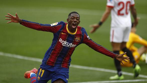 Messi kiến tạo và ghi bàn giúp Barca vượt mặt Real Madrid - Ảnh 2.