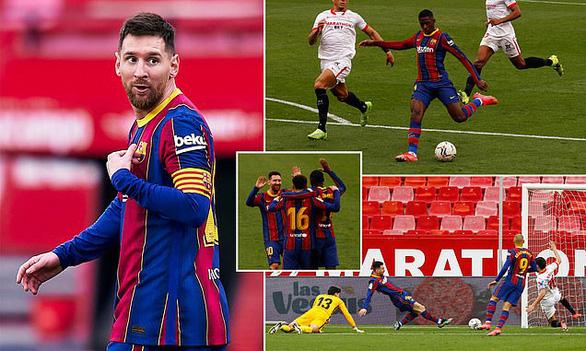 Messi kiến tạo và ghi bàn giúp Barca vượt mặt Real Madrid - Ảnh 1.