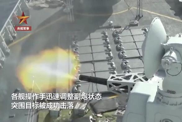 Mỹ tuần tra gần Hoàng Sa, Trung Quốc công bố tập trận bắn đạn thật ở 'vùng biển xa' - Ảnh 1.