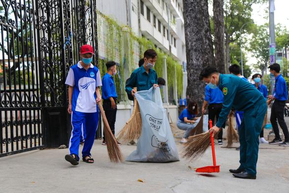 TP.HCM khởi động Tháng thanh niên: Tạo mảng xanh cho chung cư, làm đẹp các hẻm - Ảnh 7.