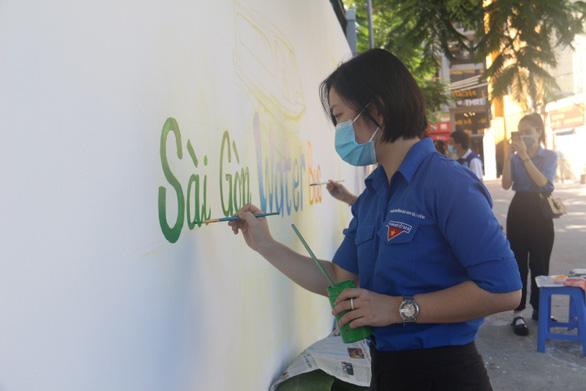 TP.HCM khởi động Tháng thanh niên: Tạo mảng xanh cho chung cư, làm đẹp các hẻm - Ảnh 6.