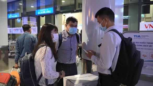 Bệnh viện Chợ Rẫy và Viện Pasteur TP.HCM lên đường hỗ trợ Gia Lai chống dịch - Ảnh 3.