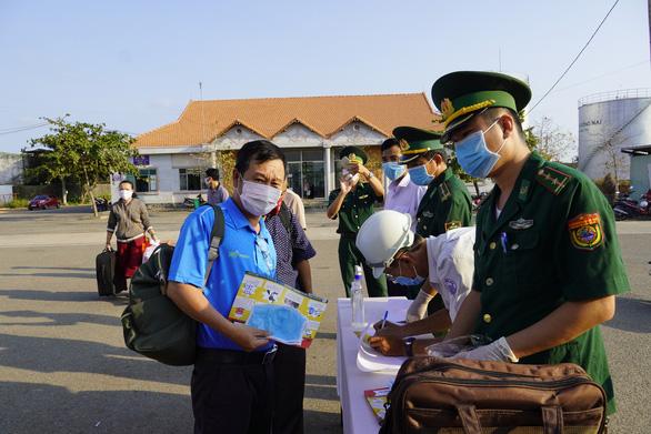Bà Rịa - Vũng Tàu tạm dừng sự kiện trên 50 người, khuyến cáo người dân ở lại tỉnh - Ảnh 2.