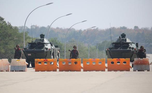 یک ژنرال آمریکایی سعی کرد با ارتش میانمار تماس بگیرد ، اما موفق نشد - عکس 1.