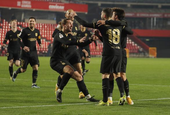 Trận đấu điên rồ của Barcelona ở Cúp Nhà vua - Ảnh 2.