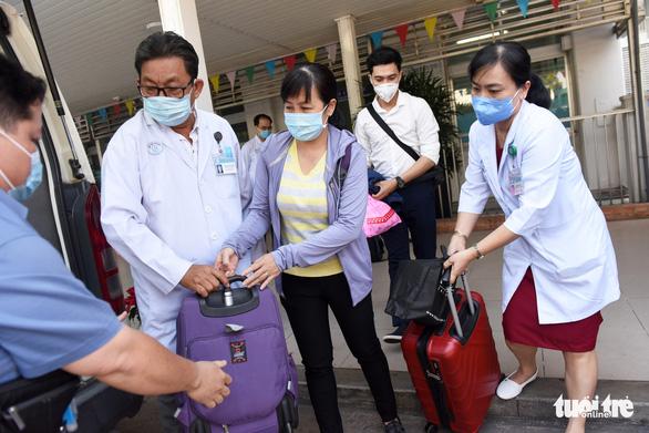 Bệnh viện Chợ Rẫy tiếp thêm nhân lực cho vùng dịch Gia Lai - Ảnh 3.