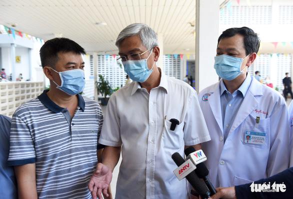 Bệnh viện Chợ Rẫy tiếp thêm nhân lực cho vùng dịch Gia Lai - Ảnh 5.