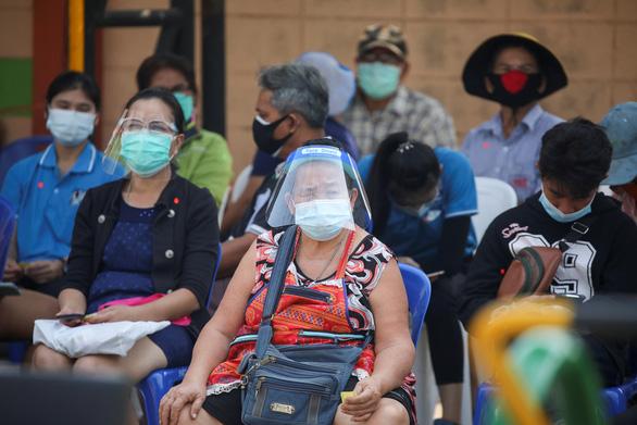 7 کارخانه در شیوع Samut Sahon نزدیک به 8000 مورد را ثبت کرده اند - عکس 1.