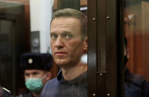 Bác sĩ Nga điều trị cho ông Navalny đột ngột qua đời - Ảnh 2.