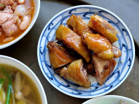 Gà 7 món truyền thống kiểu Huế, dẫu nghèo cũng phải sang - Ảnh 3.