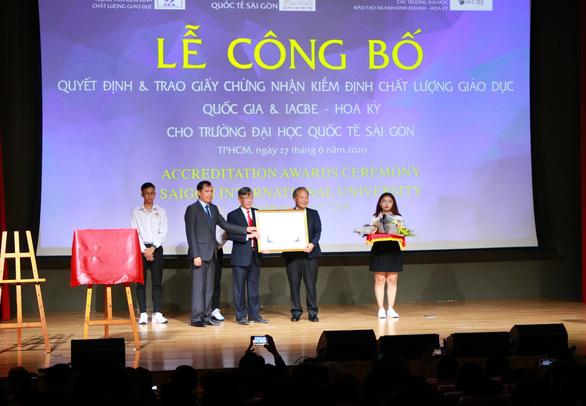Đại học Quốc tế Sài Gòn - Những dấu ấn nổi bật năm 2020 - Ảnh 2.