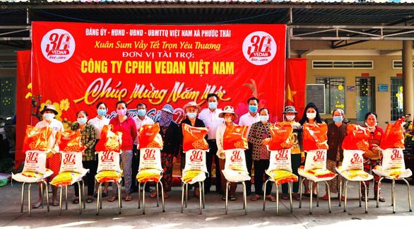 Vedan Việt Nam trao tặng 1.000 phần quà Tết cho người dân tỉnh Đồng Nai - Ảnh 1.