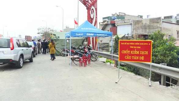 Thái Bình tạm dừng 6 chốt kiểm dịch tại cửa ngõ ra, vào tỉnh - Ảnh 1.
