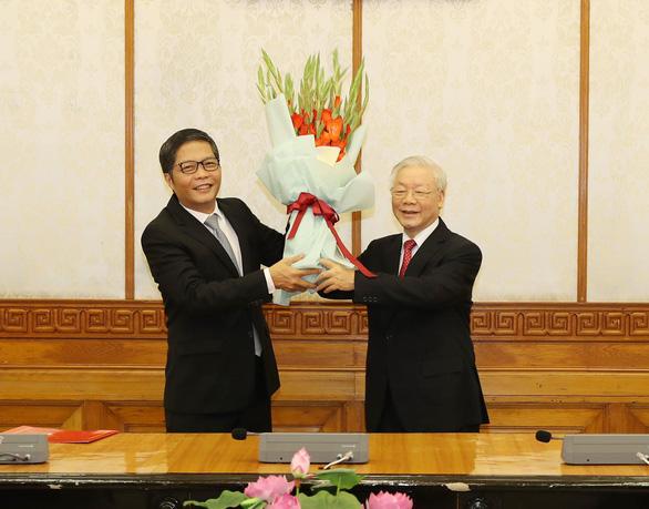 Ông Võ Văn Thưởng giữ chức Thường trực Ban Bí thư, ông Trần Tuấn Anh làm trưởng Ban Kinh tế T.Ư - Ảnh 3.