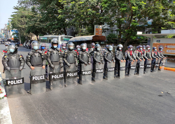 میانمار اولین فرد خارجی پس از کودتا را دستگیر کرد - عکس 1.