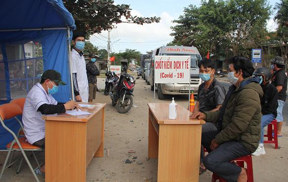 Tình hình Covid-19 phức tạp, Bộ trưởng Nguyễn Văn Thể ra bến xe kiểm tra - Ảnh 5.