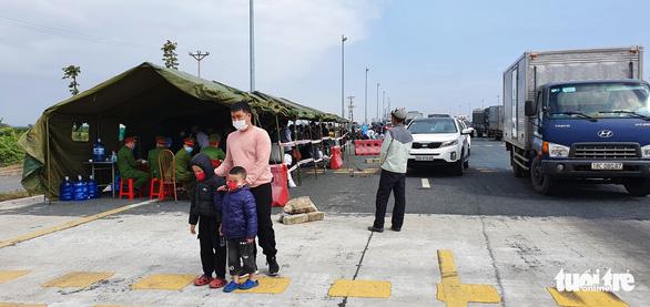 Quảng Ninh cho phép xe khách được hoạt động trở lại - Ảnh 1.