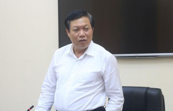 Em trai nhân viên sân bay Tân Sơn Nhất cũng nghi nhiễm COVID-19, bộ yêu cầu truy vết tất cả F1, F2 - Ảnh 1.