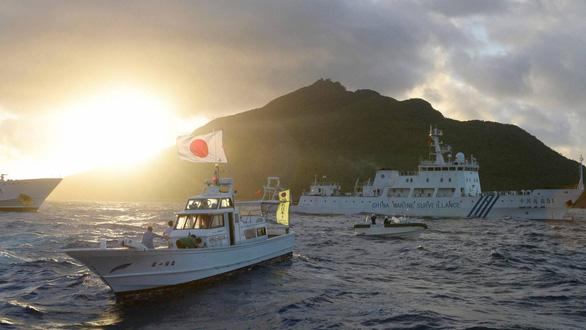 Tàu Trung Quốc vào vùng biển gần Senkaku/Điếu Ngư lần đầu sau luật hải cảnh - Ảnh 1.
