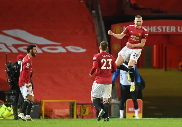 Man Utd đánh rơi chiến thắng ở phút 90+5 - Ảnh 4.