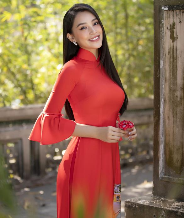 Hoa hậu Tiểu Vy: 'Gợi cảm không phải là phóng túng trong việc phô da thịt' - Ảnh 1.