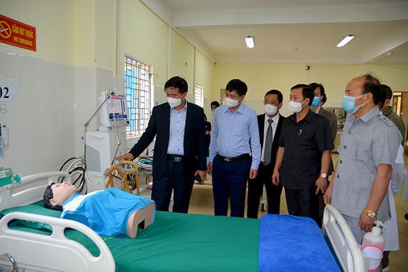 Lắp đặt thần tốc, bệnh viện dã chiến ở Điện Biên hoàn thành sau 1,5 ngày - Ảnh 1.
