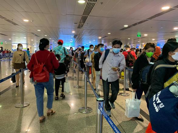 Sân bay siết chặt quy định với nhân viên hàng không - Ảnh 2.