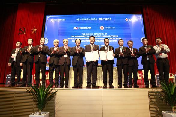 Đại sứ Hàn Quốc tại Việt Nam: Đại dịch là cơ hội giảm lệ thuộc Trung Quốc - Ảnh 2.