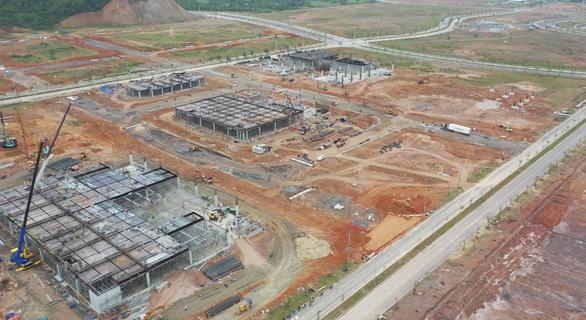 Xuyên Tết chạy đua tiến độ dự án sản xuất bo mạch công nghệ cao - Ảnh 1.