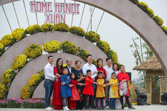 Mở cửa đường hoa Home Hanoi Xuan 2021 - Ảnh 1.