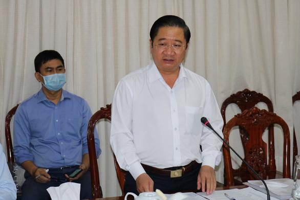 Chủ tịch Cần Thơ yêu cầu nhân viên ngành y tế hạn chế rời thành phố - Ảnh 1.
