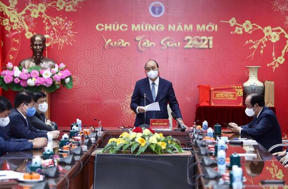 Thủ tướng: Cảm ơn đội ngũ chống dịch, có nhiều người sẽ đón Tết trong bệnh viện - Ảnh 1.