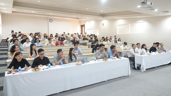 Lo dịch COVID-19, nhiều đại học dạy học trực tuyến sau Tết - Ảnh 1.
