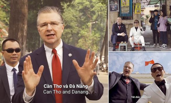 Đại sứ Mỹ hát rap Tết ở Việt Nam là vui nhất, truyền thông thế giới xôn xao - Ảnh 1.